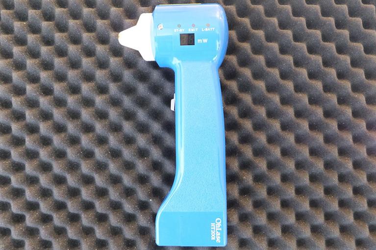 半導体レーザー治療器(光生物学的活性化治療 LLLT; 低反応レベルレーザー治療)